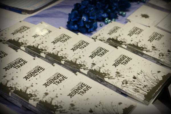 Literarni večer s predstavitvijo pesniške zbirke Jesenske trave in otvoritev razstave v Lenartu
